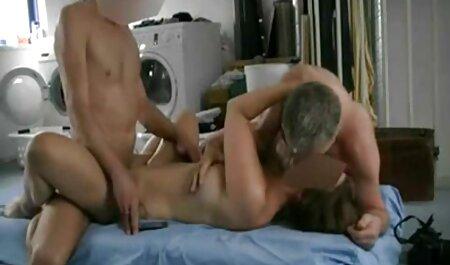 Desiderio nella sala vecchie troie scopano massaggi